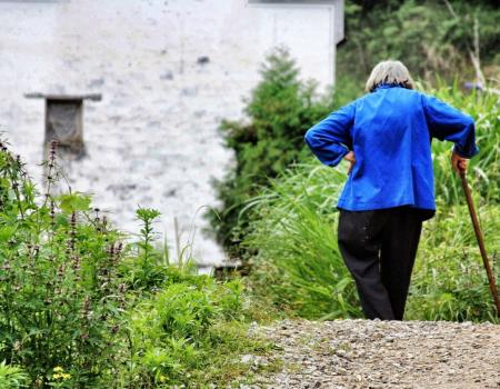 Loneliness can lead to physical health problems in old age, says new study