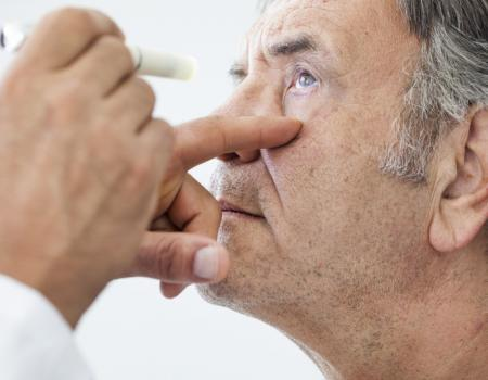 Poor eyesight in old age linked to cognitive decline