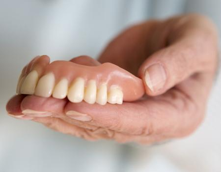 Denture wearers at risk of missing out on vital nutrients