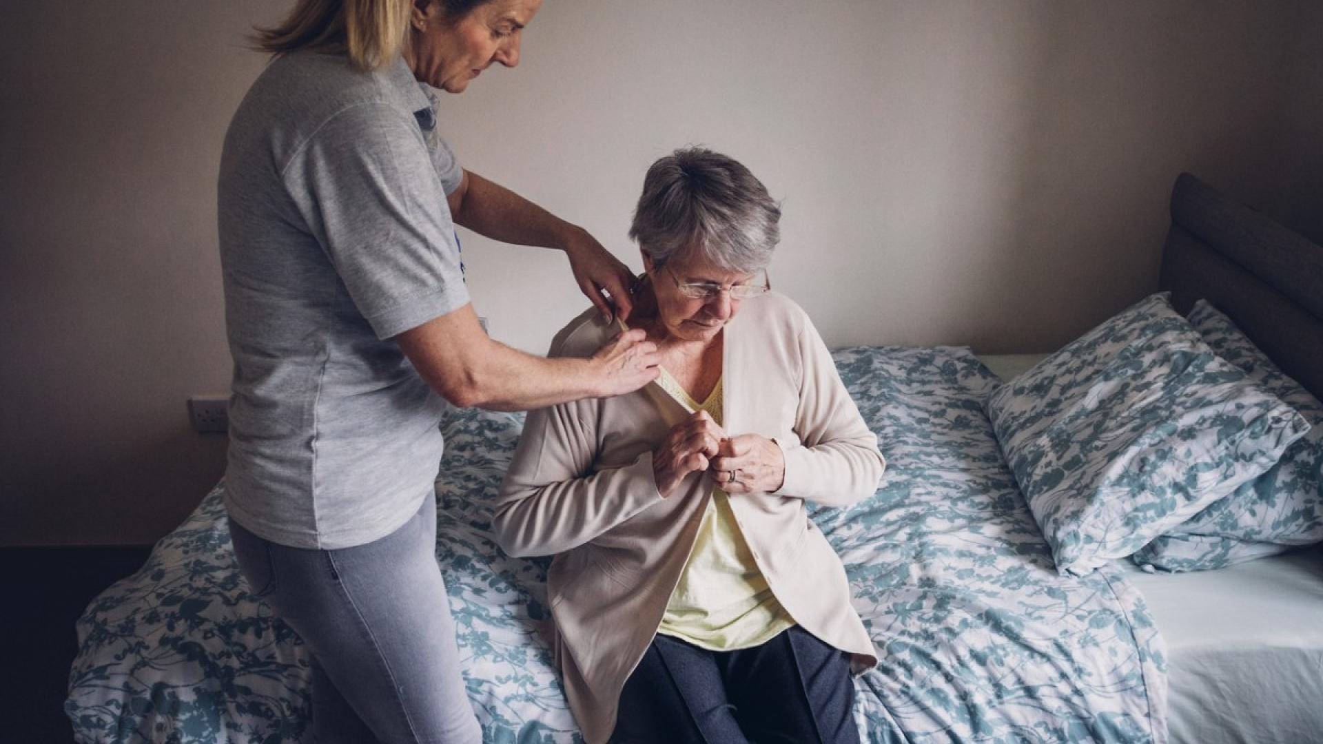 Family members caring for dementia patients aren't getting enough sleep