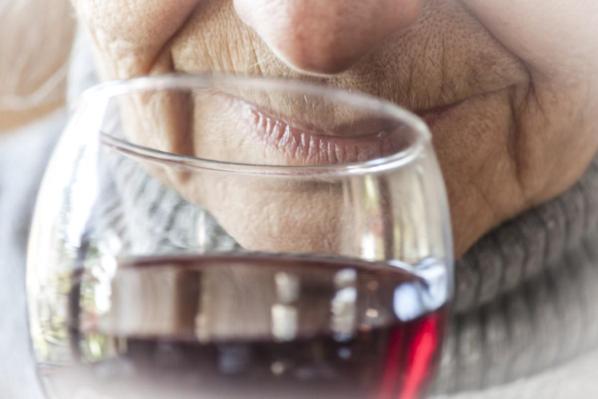Health campaigners warn against gifting alcohol to the elderly this Christmas