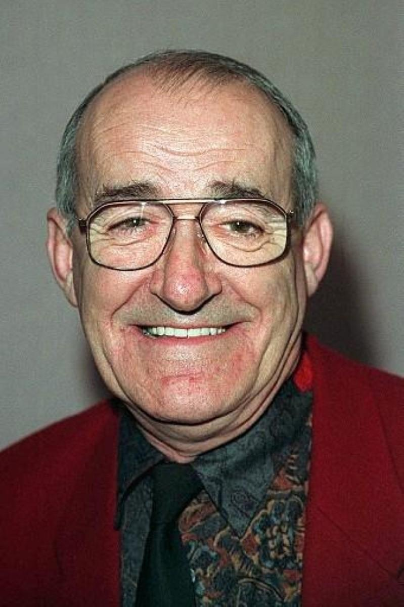 Jim Bowen recovering after 2 strokes