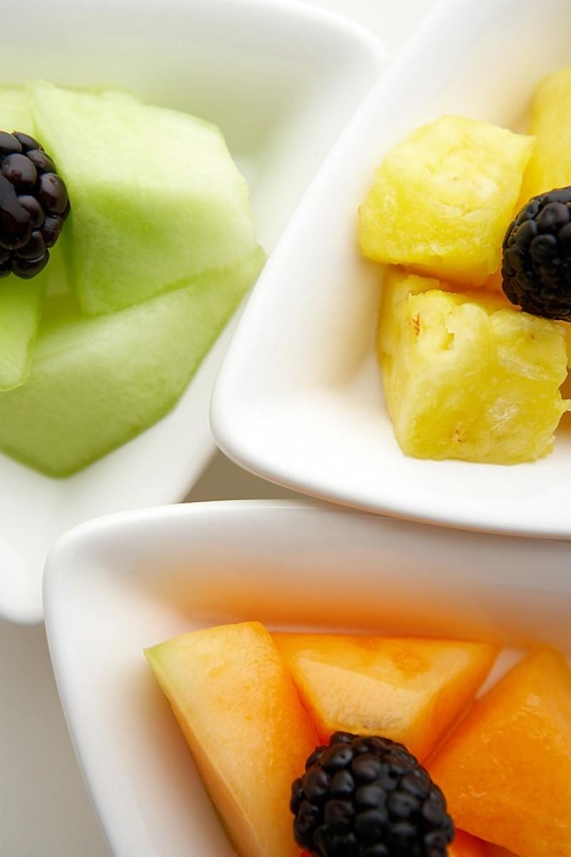 Fresh fruit and fish 'could prevent dementia'