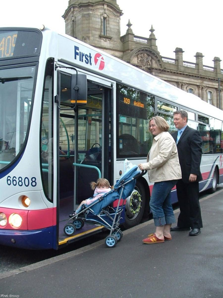 Bus drivers given training to help passengers with dementia