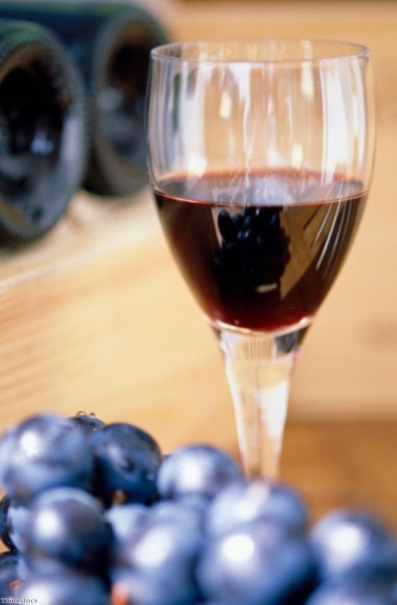 Green tea and red wine 'may prevent Alzheimer's'