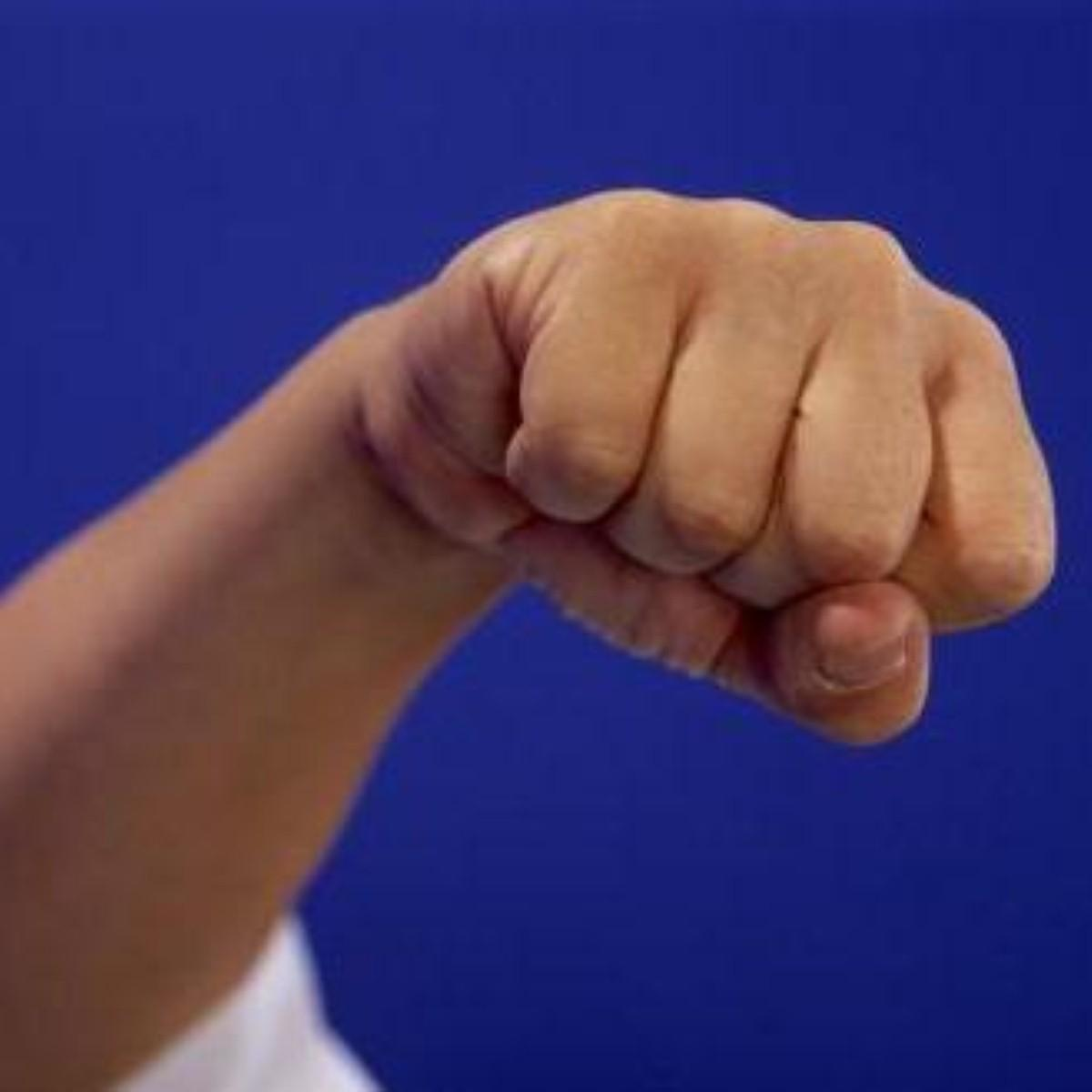 Clenching fists boosts memory
