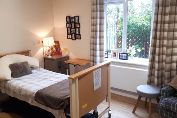 Dearnevale bedroom