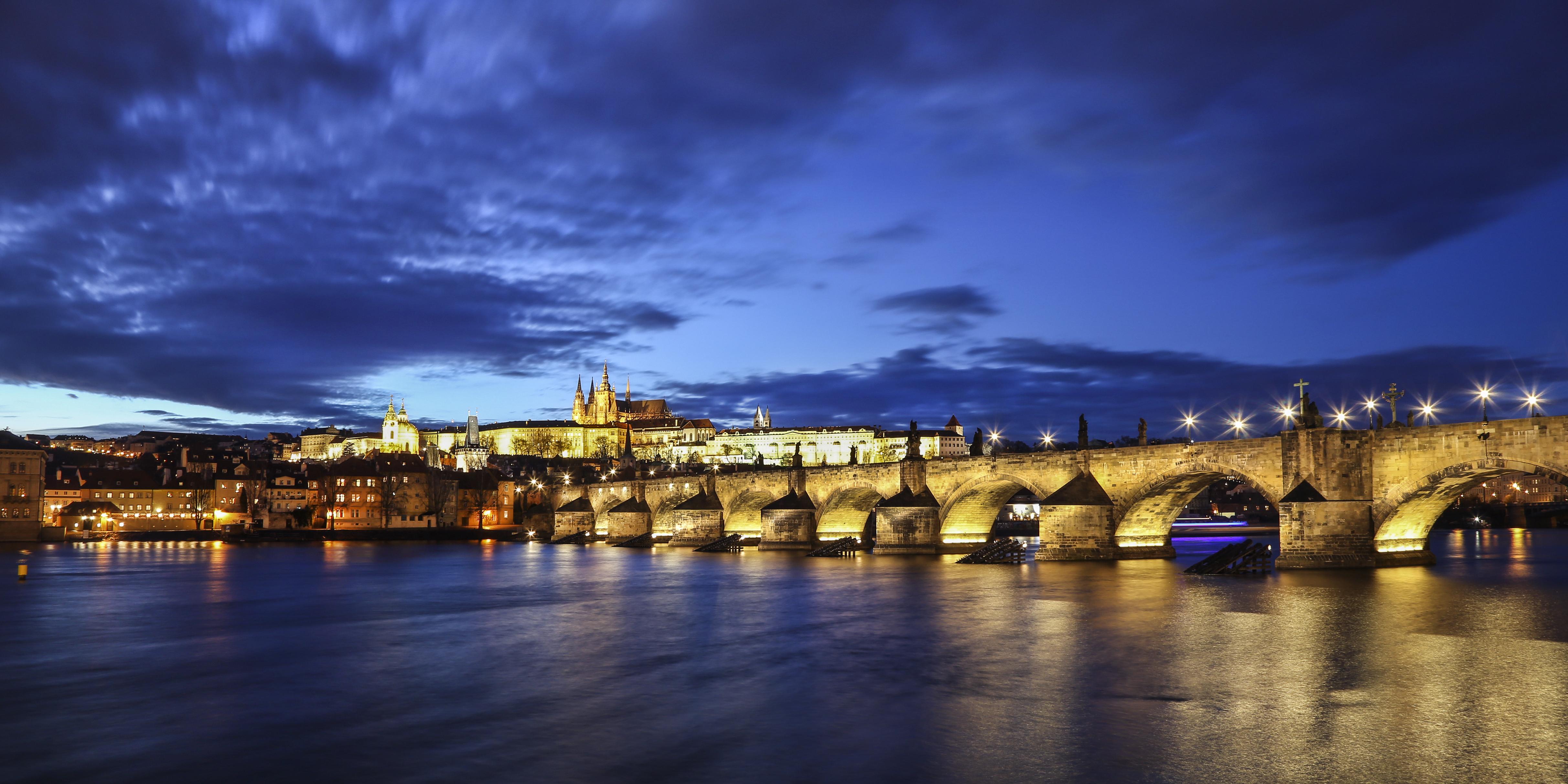 Prague - Prime Global HURST