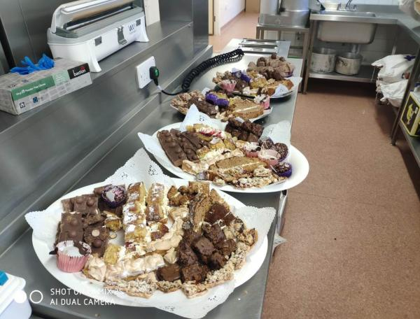 Cakes to say thanks