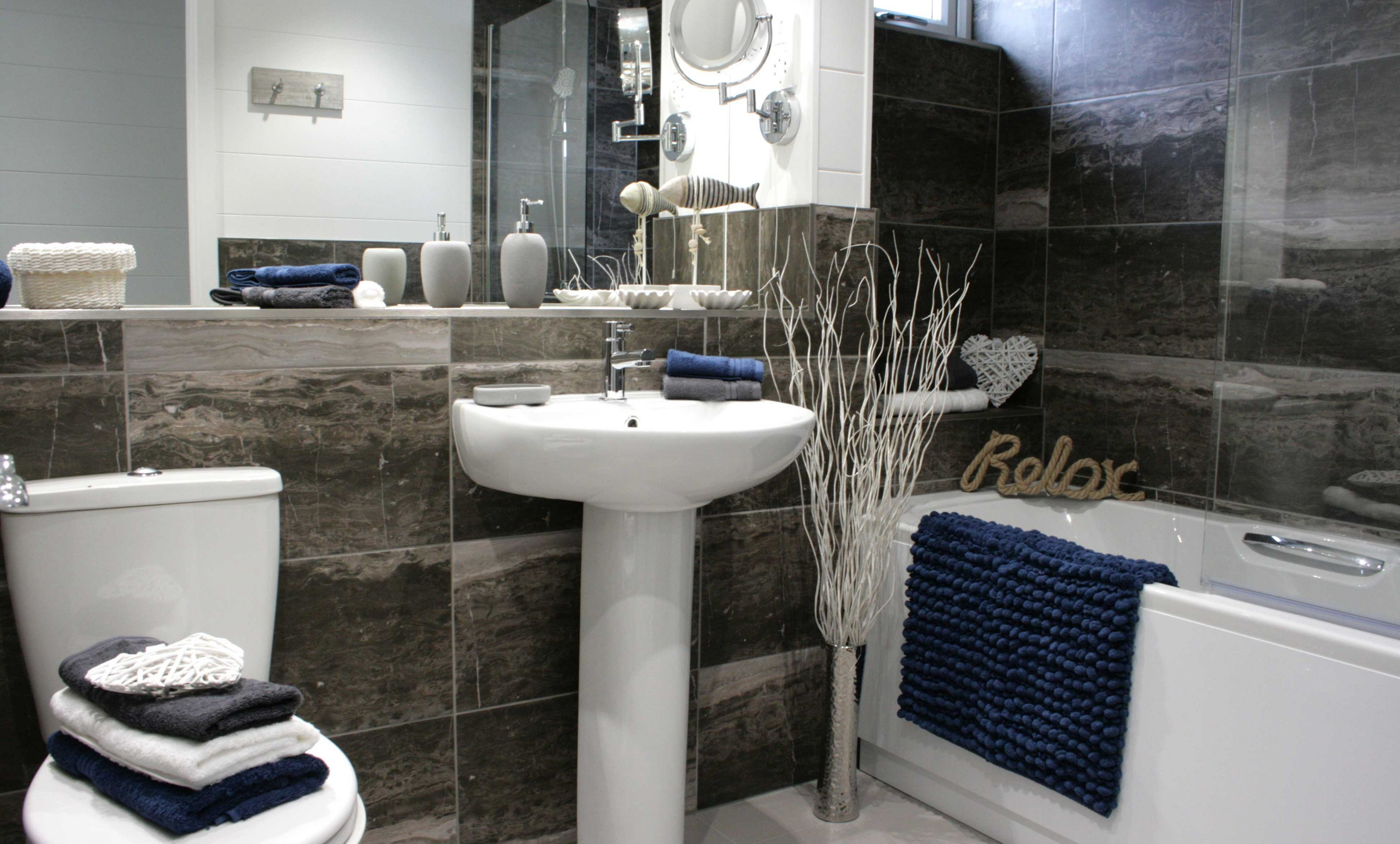 The Country Lodge - Coastal Bathroom