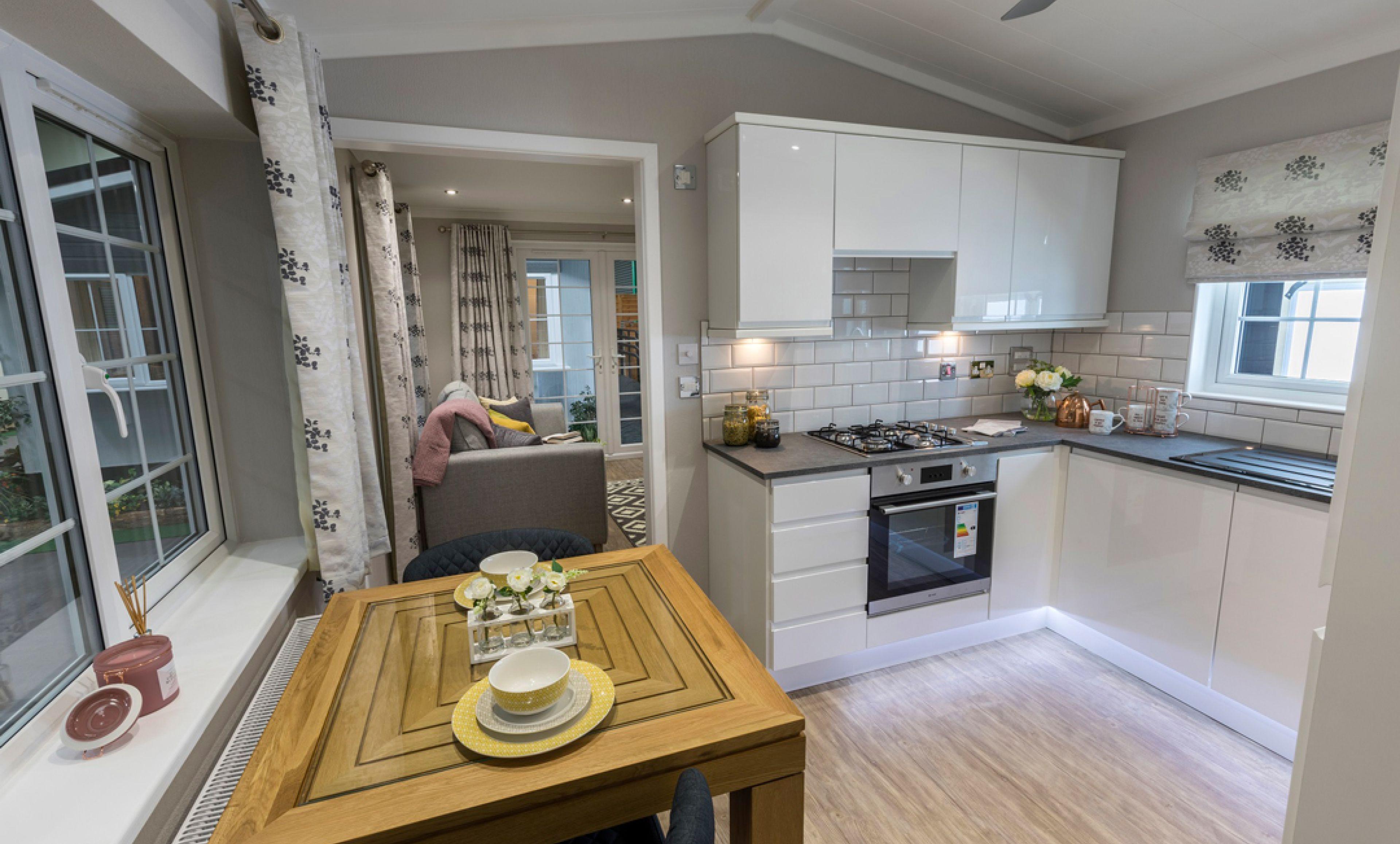 The Kensington - Single Dining Room