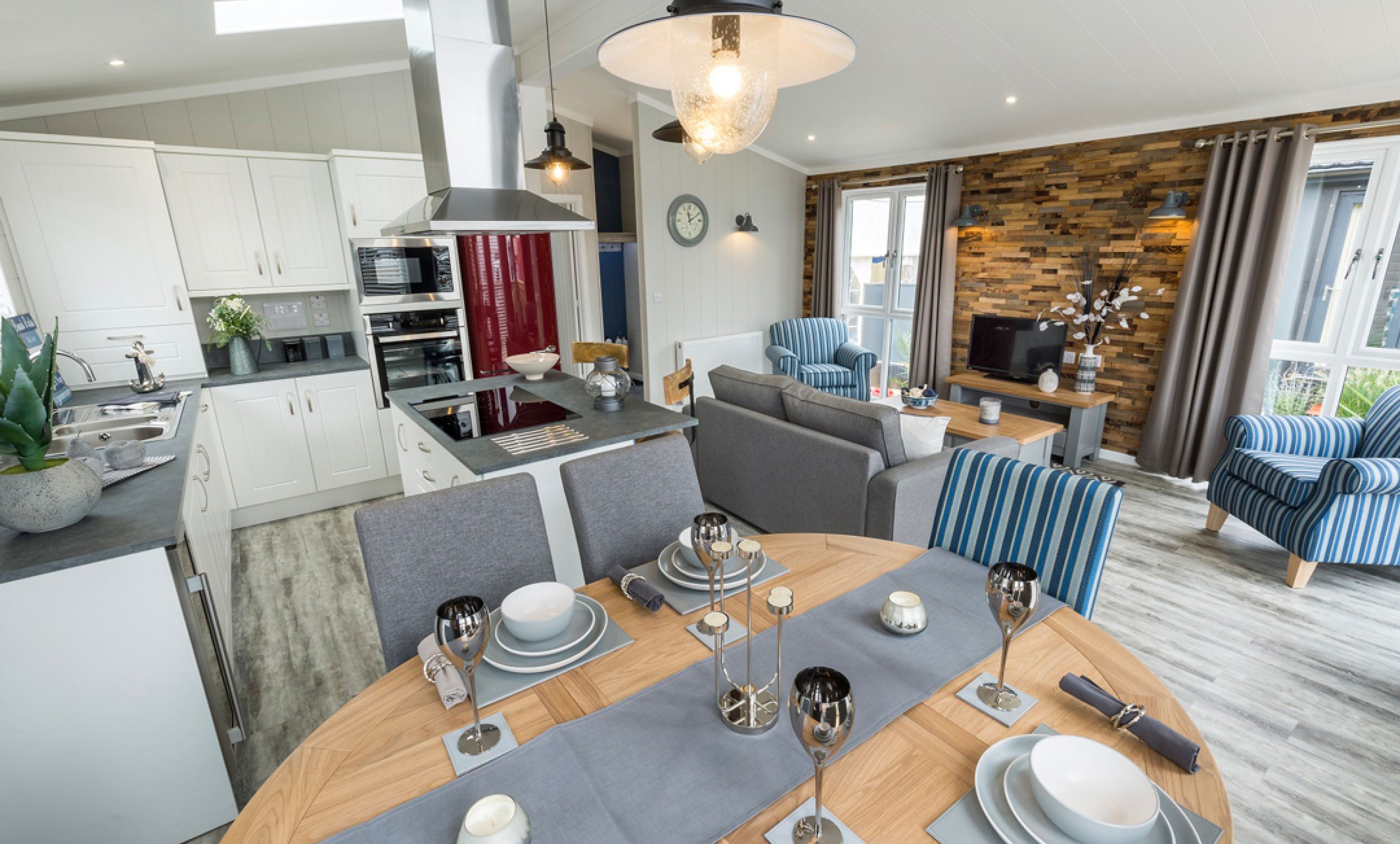 The Country Lodge - Coastal Dining Room