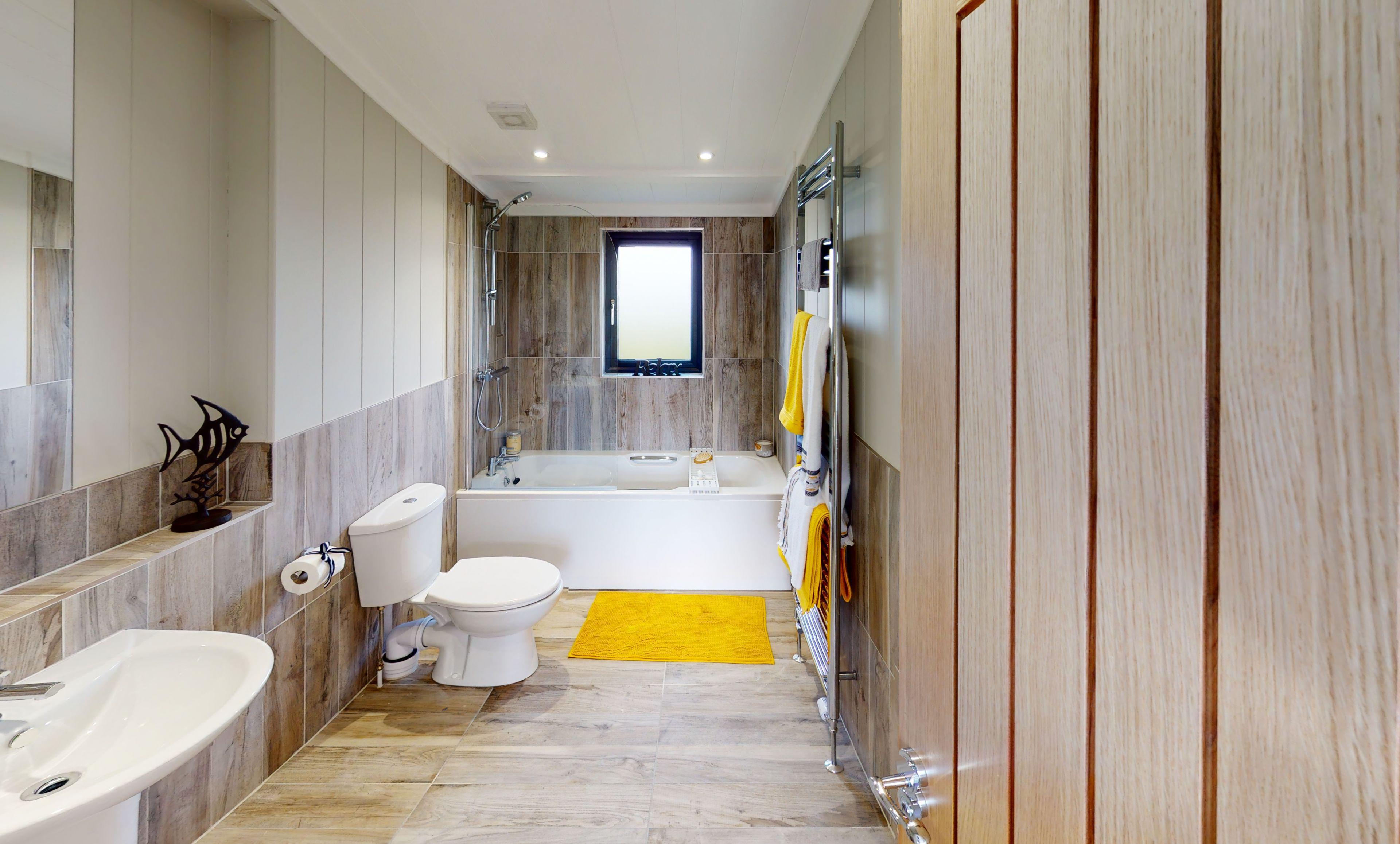 The Havana Centre Lounge Bathroom