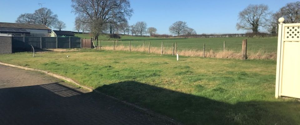 4 Plots Available on-site